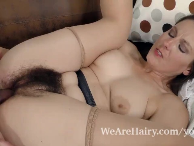 Hairy pussy getting fuck