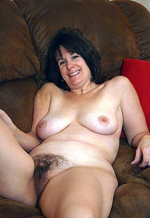 andi pink spreading pussy galleries
